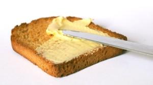 Máslo na toastu